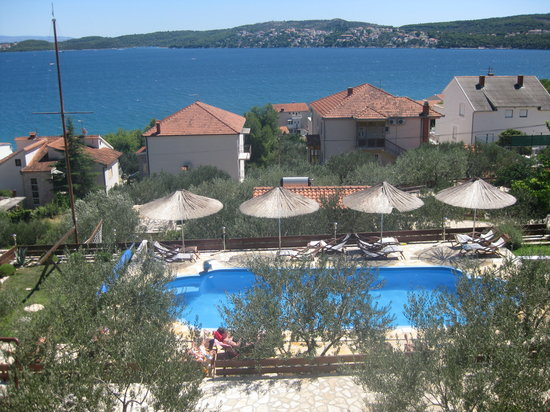 Donji Seget, Croatia: The view from our balcony towards the pool & sea.