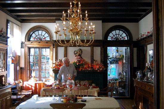 Federal Crest Inn: Federal Crest Dining Room Decorated For Fall