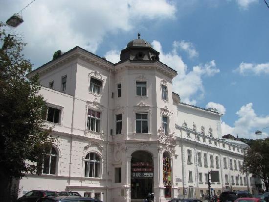 Salzburger Marionetten Theater: overall view