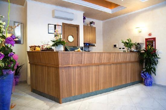 Hotel Aquila: reception