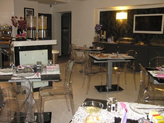 Golden Hotel: Breakfast Room