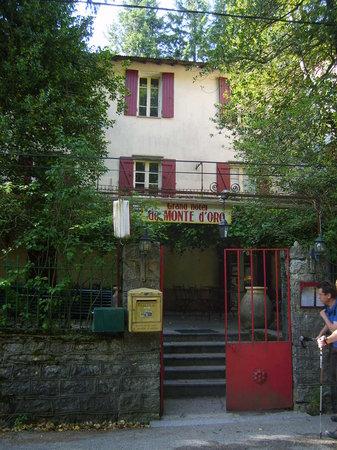 Monte D'Oro : Entrée de l'Hotel !