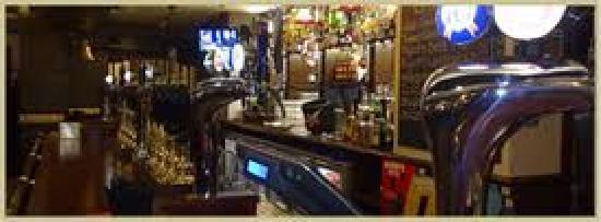 The Flying Horse Hotel: Main Bar