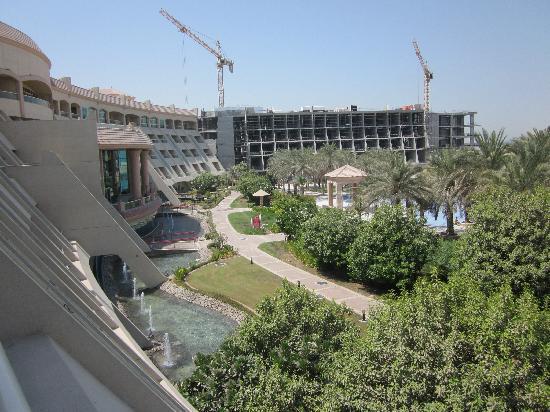 Al Raha Beach Hotel: The backside of the Hotel