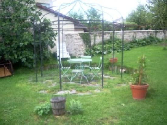 Les Gites de Blandine: Le jardin