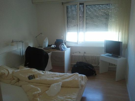 Apaliving Basel - Budget Hotel: Zimmer Deluxe Apt