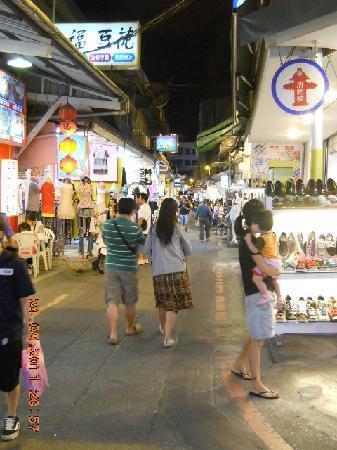 Azure Hotel: Night market