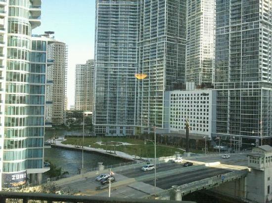 Hyatt Regency Miami: Vista de la habitación