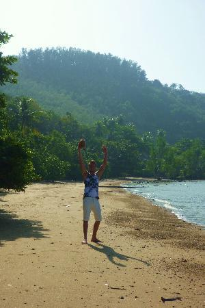 Baanpanwa Resort and Spa: The beach and my first coconut