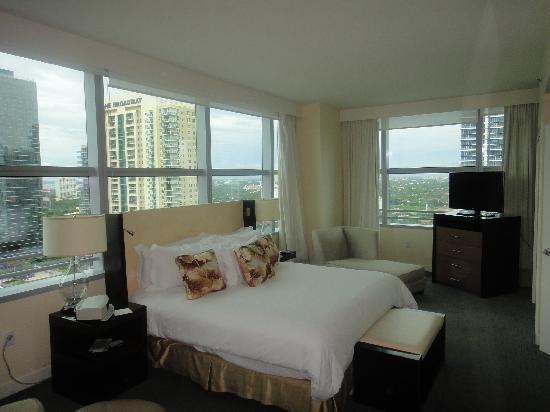 Conrad Miami: Living Room