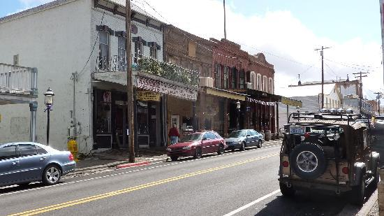 Kashmir American Enterprises: Main Street