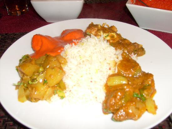 Brownhill Spice: Variety of Main Course