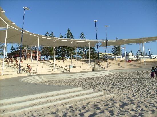 West Beach Lagoon: il patio sulla spiaggia