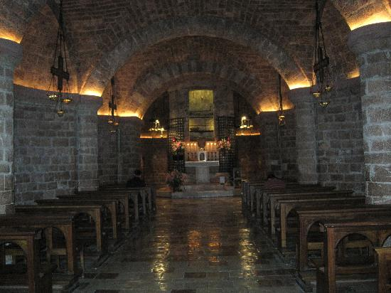 Basilica Papale San Francesco D'Assisi: Walking into Lower Crypt