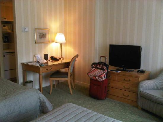 Le Meridien Versailles: Regular room