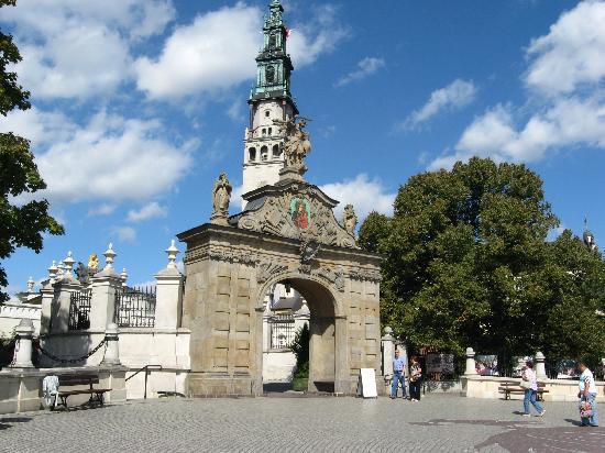 Krakow Trips by Paulo & Tom - Day Tours: Pauline monastery of Jasna Gora (Czestochowa)