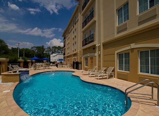 Holiday Inn Express Tampa North - Telecom Park: Great Pool Area