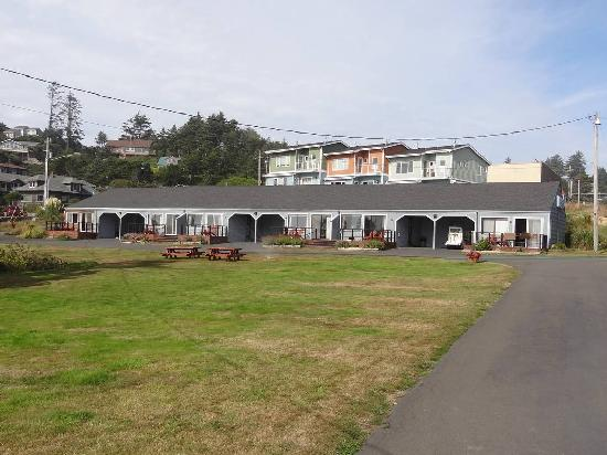 Agate Beach Motel Ocean Front Rooms