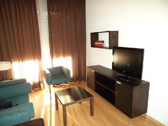 Compostela Suites Apartments : livingroom