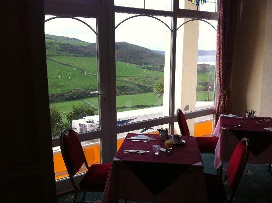 Royal Hotel: Breakfast with a view