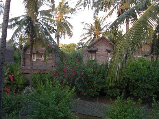 Sunrise Resort: lumbung style cottages at Sunrise Gili Air