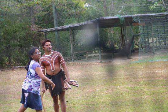 Tjapukai Aboriginal Cultural Park: Boomerang throwing