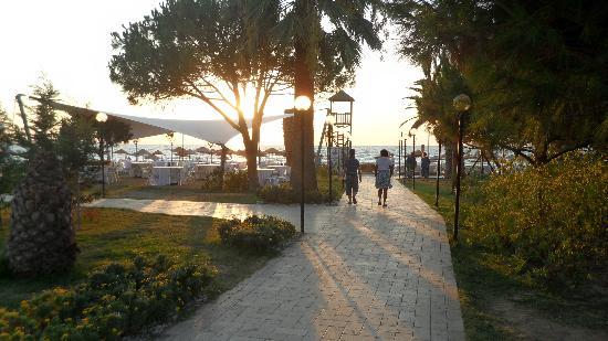 Batihan: vers la plage