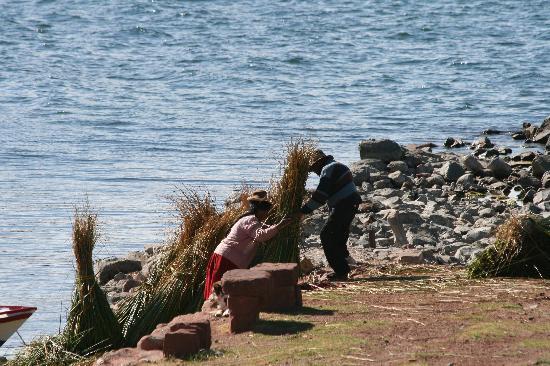 Titilaka : Life Along the Lake