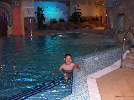 Hotel Eugenia Victoria : Una de las piscinas del spa