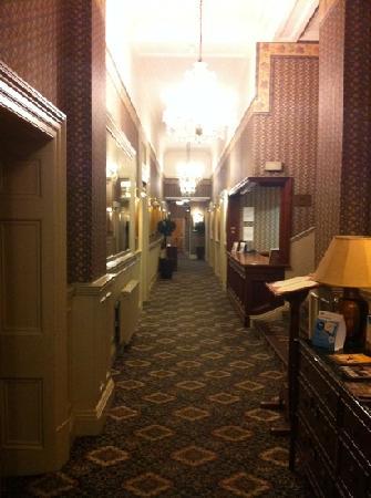 Best Western Limpley Stoke Hotel: entrance