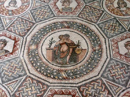 Villa del casale mosaico pavimento foto di villa romana for Pavimento con mosaico