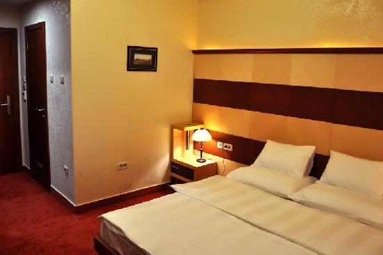 Hotel Marshal: .