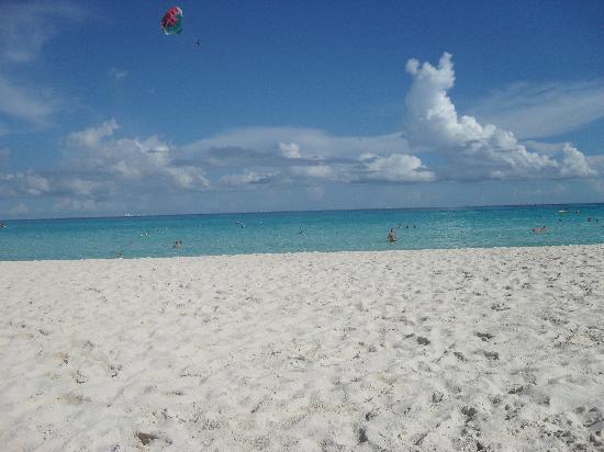 Iberostar Tucan Hotel: Beautiful beach
