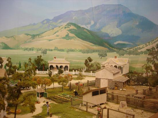Sharpsteen Museum: the large diorama of the Victorian beginnings of Calistoga
