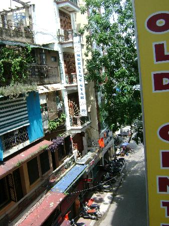 Hanoi Centre 1 Hotel: View of the street from the room balcony