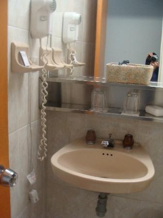 Dann Avenida 19 Hotel: Baño