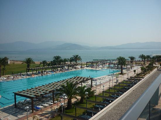 Venosa Beach Resort & Spa: Huge pool great views