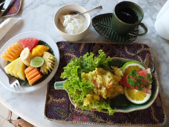 Alam Indah : Breakfast (they have various options)