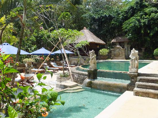 Alam Indah: Peacefull Pool Area