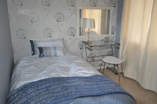 16 Havelock: King Single Bedroom