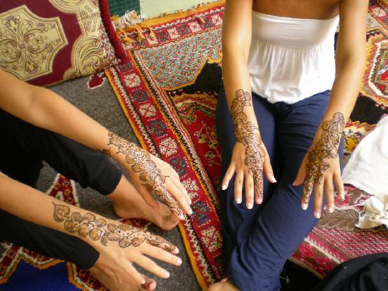 Travel Exploration Morocco Private Tours: Henna masterwork...