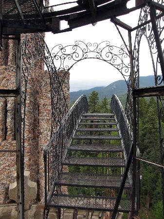 Westcliffe, CO: The wrought iron walkway in the sky - do you dare walk it?