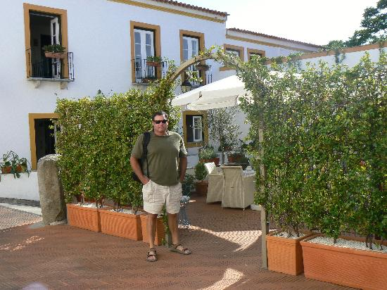 Albergaria do Calvario : hotel courtyard