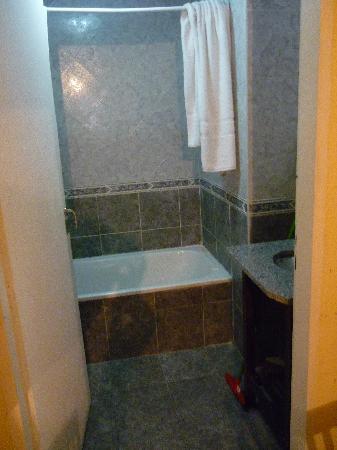 Montevideo 48 Apart: baño