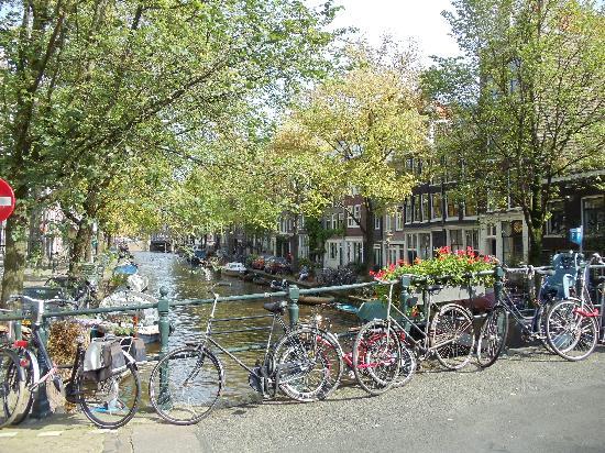 The Jordaan: Egelantiersgracht