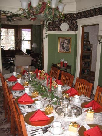 Christmas Tea at the Waller House Inn
