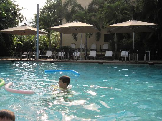 Central Plaza Port Douglas: Pool area