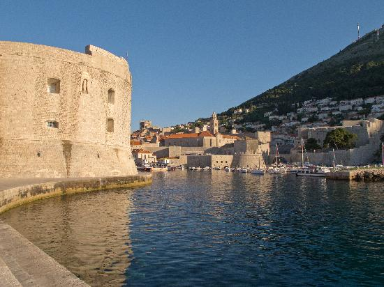 House Katarina - Old town: Dubrovnik port at dawn