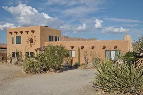 Desert Lily Inn