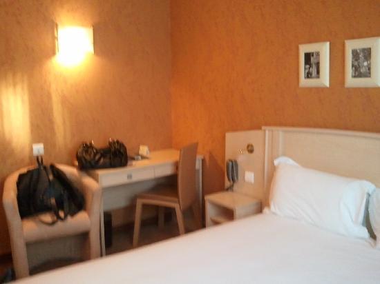 Hôtel Elysées Opéra: chambre 503
